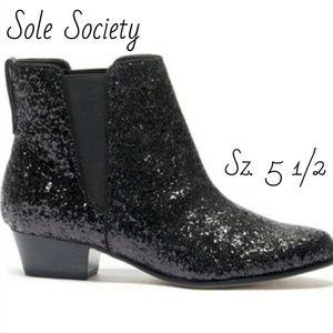NWOT. Sole Society Black Kent Glitter Ankle Boot!